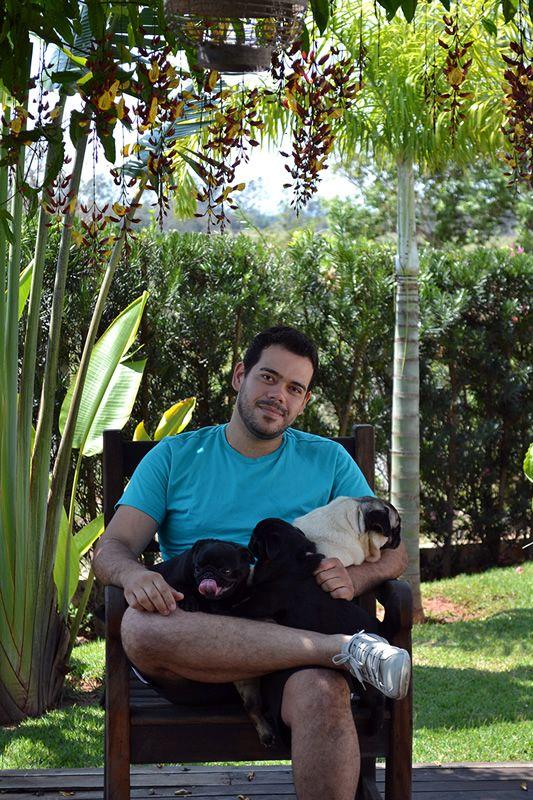 &nbspAndrey Silva um apaixonado por Pugs