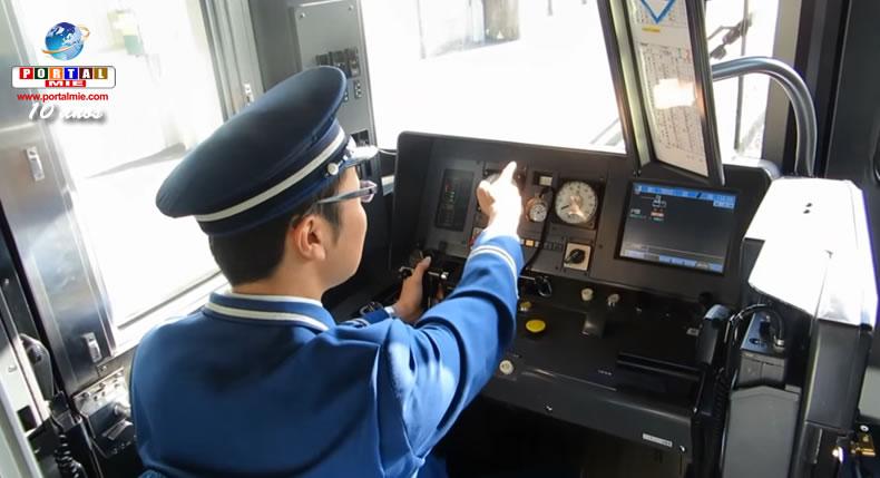 &nbspShisa Kanko: a técnica japonesa de segurança de gesticular e falar sozinho