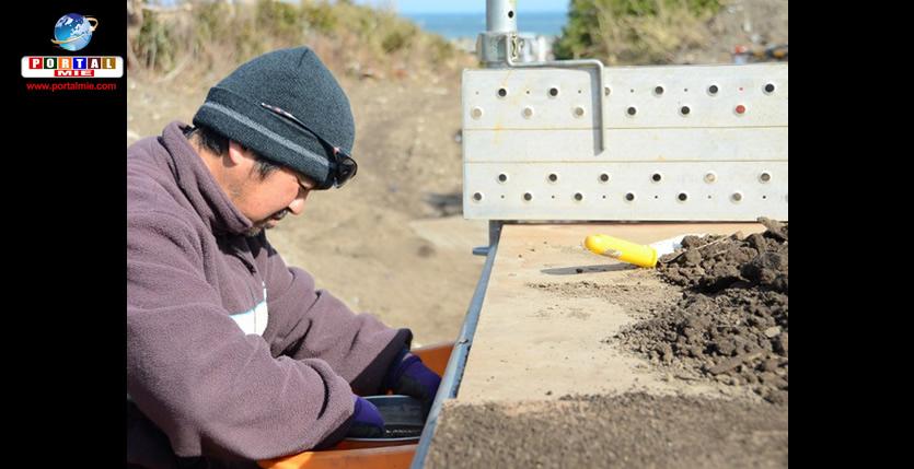 &nbspTsunami de 2011: pai está determinado a encontrar todos os restos mortais de sua filha