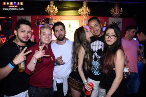 sonic 2017-05-04 Galera curtindo o feriado na Sonic Club