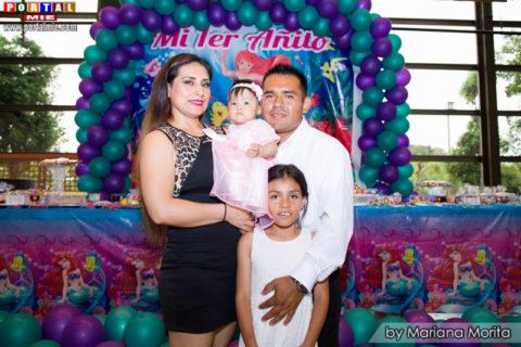 Carlos, Friorella y Estefany familia de Camila