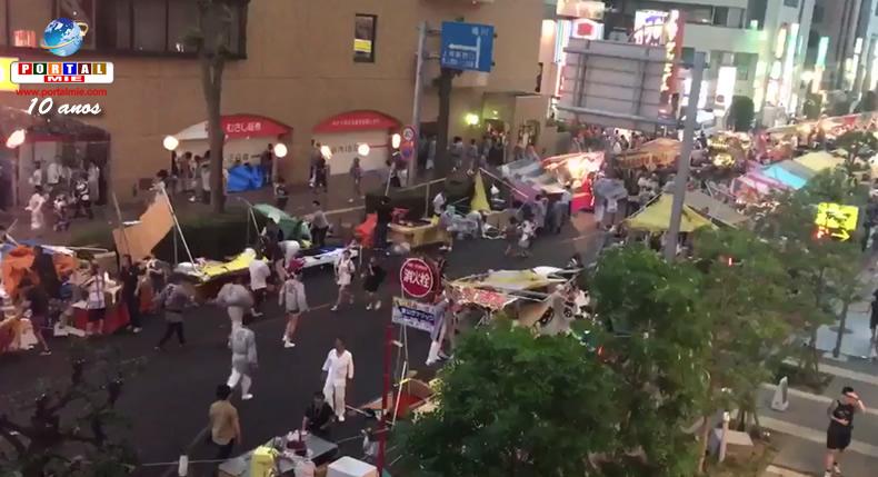 &nbspForte ventania derruba várias barracas durante festival em Saitama