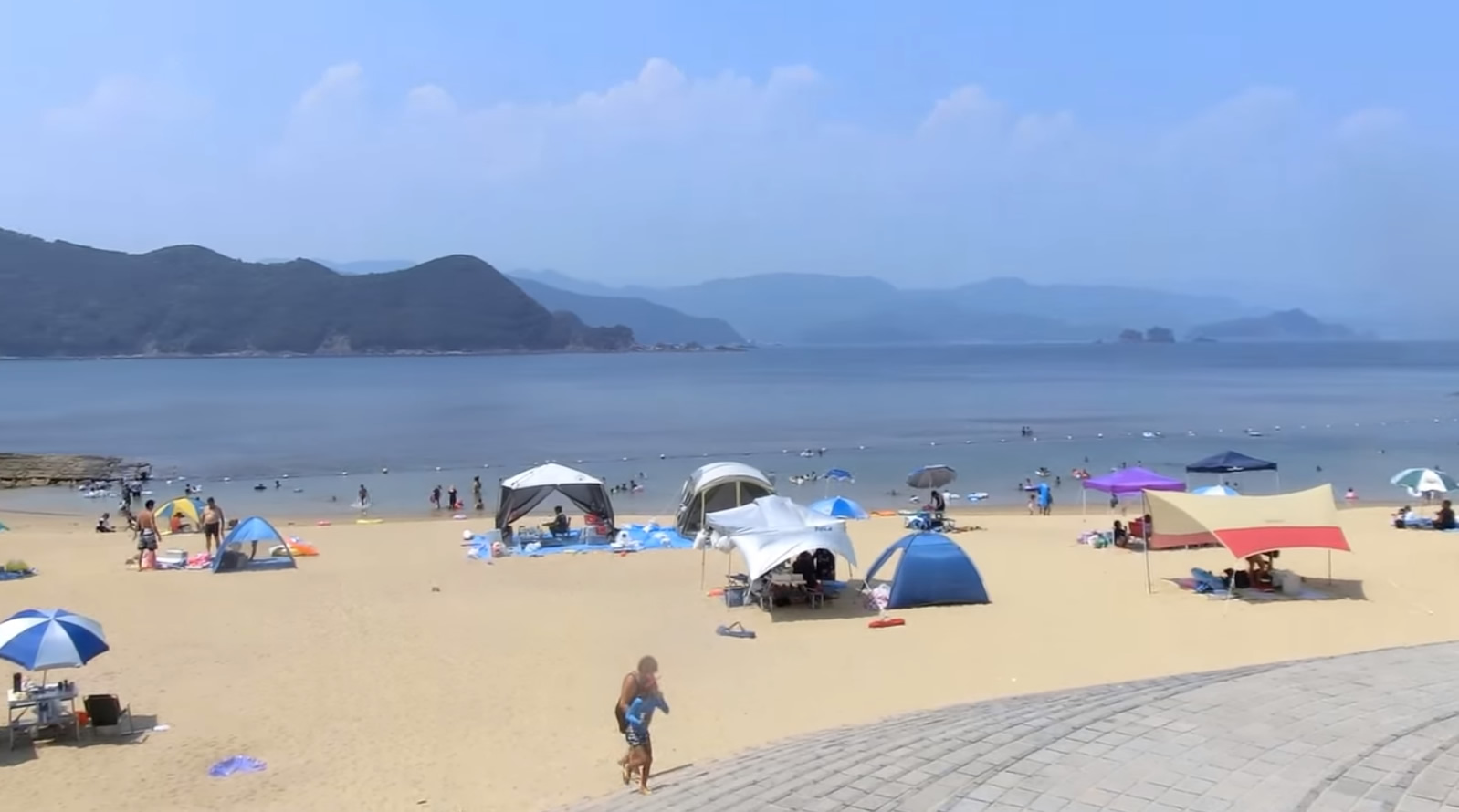 &nbspA bela e pequena praia de Wagu em Mie