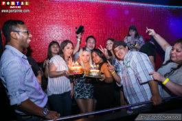 Aniversariantes Yuri e Renata com amigos party beats