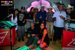 Cantores, DJs e os donos da casa muvukas