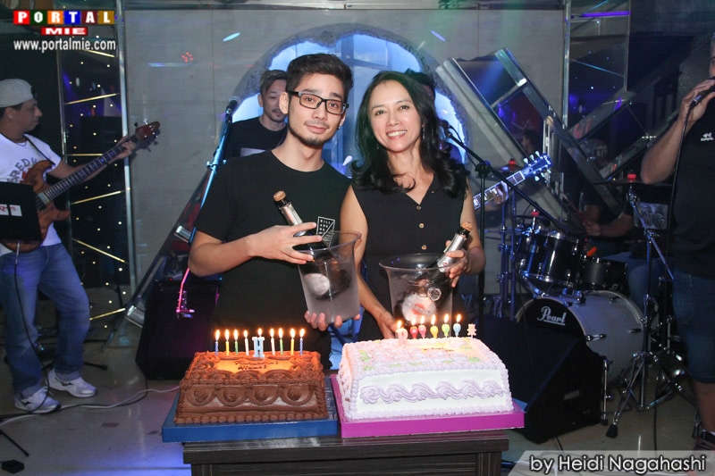 Os aniversariantes Hideki e Renata muvukas