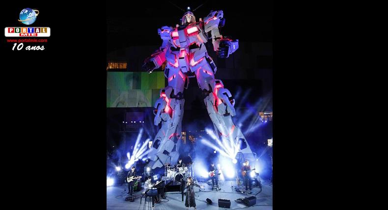 &nbspNova estátua do famoso robô gigante Gundam é exibida em Odaiba