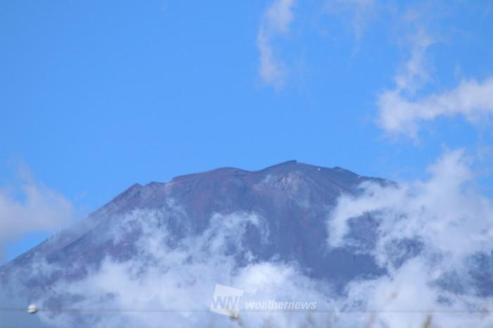 &nbspMonte Fuji recebe coroa de neve depois do tufão