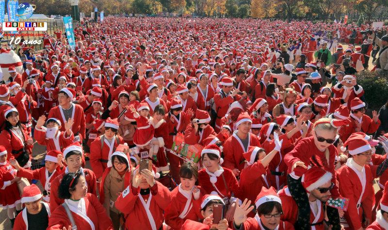 &nbspCorrida da caridade reúne 5,5 mil 'papais noeis' em Osaka