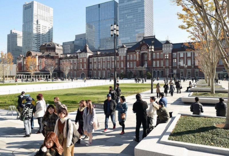 &nbspEstação de Tóquio ganha novo point com o Largo Marunouchi