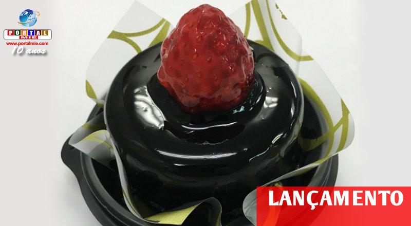 &nbspBolo de chocolate e morango especial no Lawson