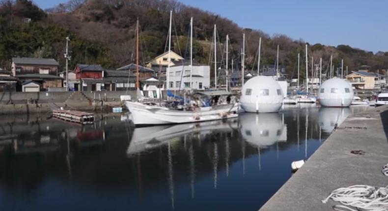 &nbspParque temático no Japão revela hotel que flutua na água