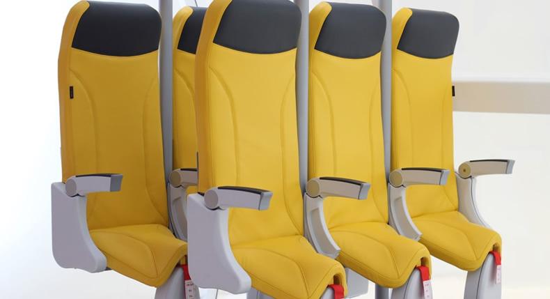 &nbspEmpresa revela novo design de poltrona de avião para viajar 'quase' de pé