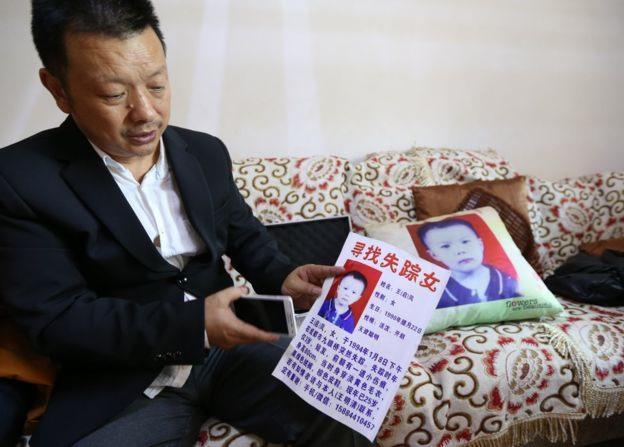 &nbspPais encontram filha perdida após busca que durou 24 anos