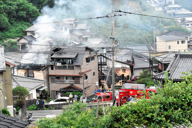 &nbspIncêndio em 13 casas com vítima fatal
