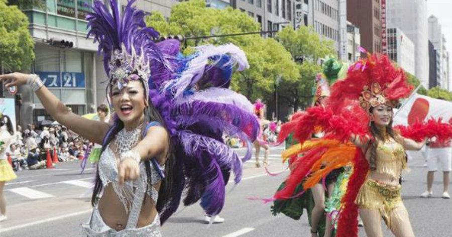 &nbspKobe Matsuri: 6 mil desfilaram nas escolas de samba