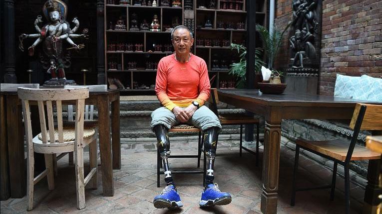 &nbspHomem amputado das duas pernas conquista o Everest