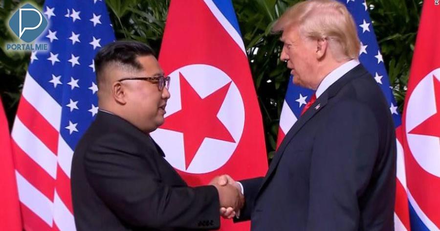 &nbspEncontro histórico acontece entre Donald Trump e Kim Jong-un
