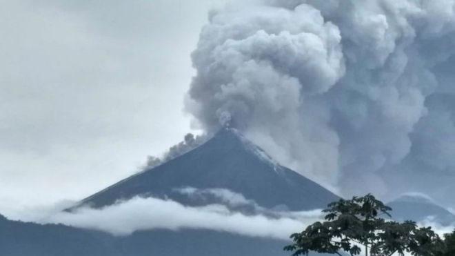&nbspVários mortos em erupção de vulcão na Guatemala
