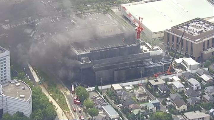 &nbsp22 feridos no incêndio de uma construção, alguns demoraram para escapar