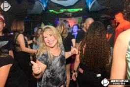 Gruta Lounge Bar&nbspHawaii Mega Baile na Gruta Lounge Bar