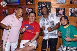 Champions Bar e Grill&nbspLive Acoustic no Champions Bar e Grill