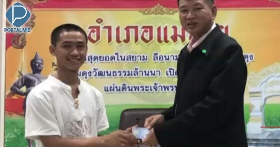 &nbspMeninos da caverna e treinador recebem cidadania tailandesa