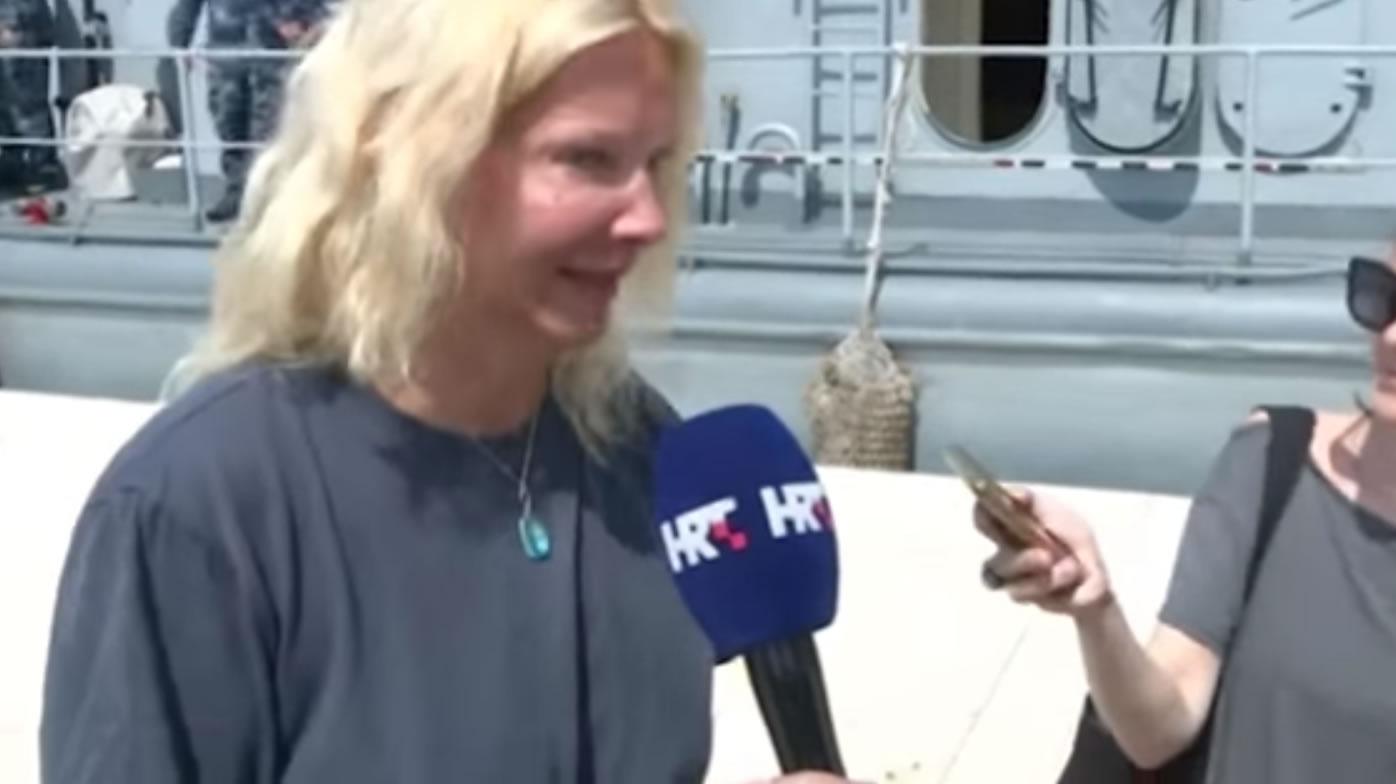 &nbspMulher é resgatada após cair de navio de cruzeiro e passar 10 horas no mar