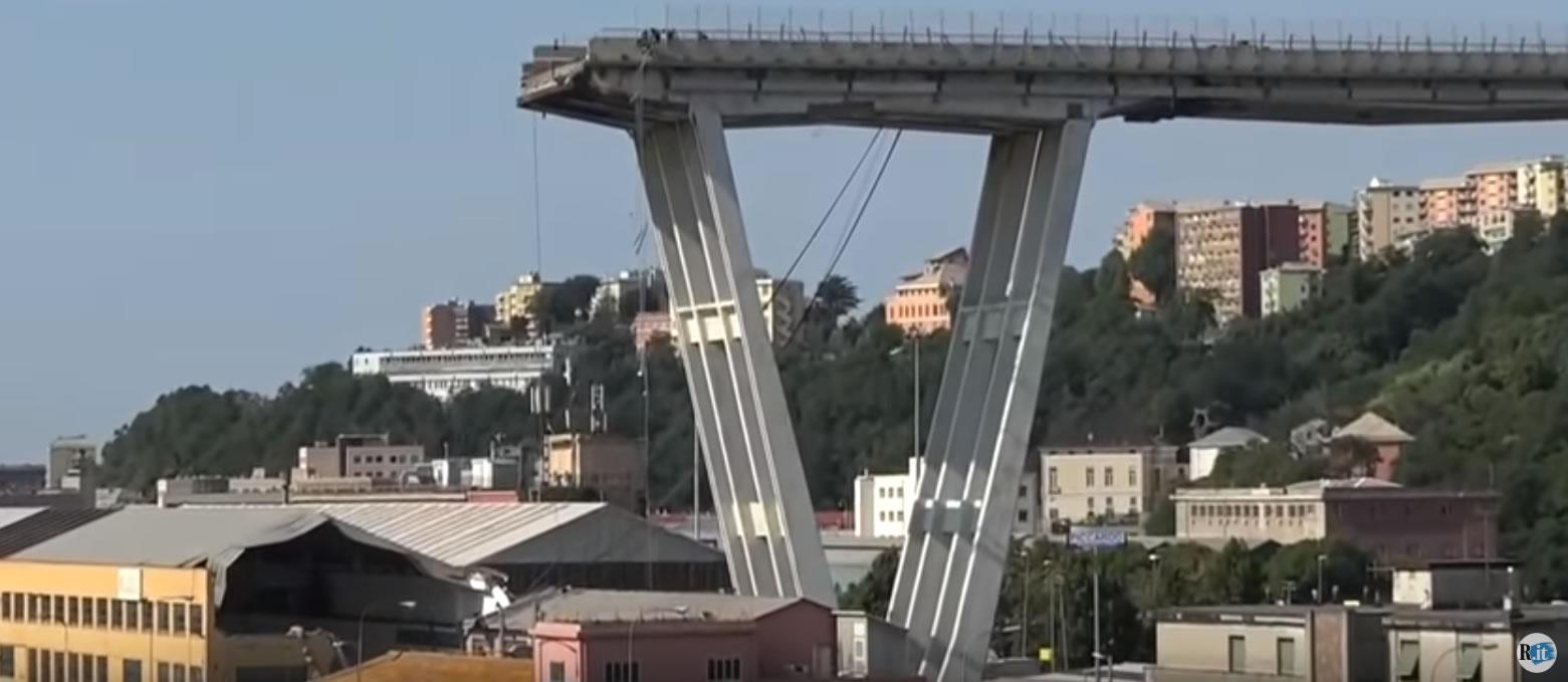 &nbspTerminam operações de busca após queda de ponte em Gênova: 43 mortos