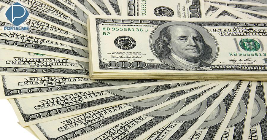 &nbspDólar abre semana em baixa, cotado a R$ 4,12