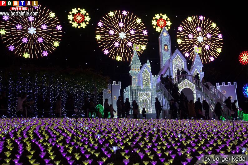 &nbspA bela iluminação Flower Fantasy no Parque Ashikaga