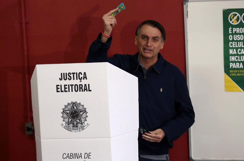 &nbspCom segurança reforçada, Bolsonaro vota no Rio