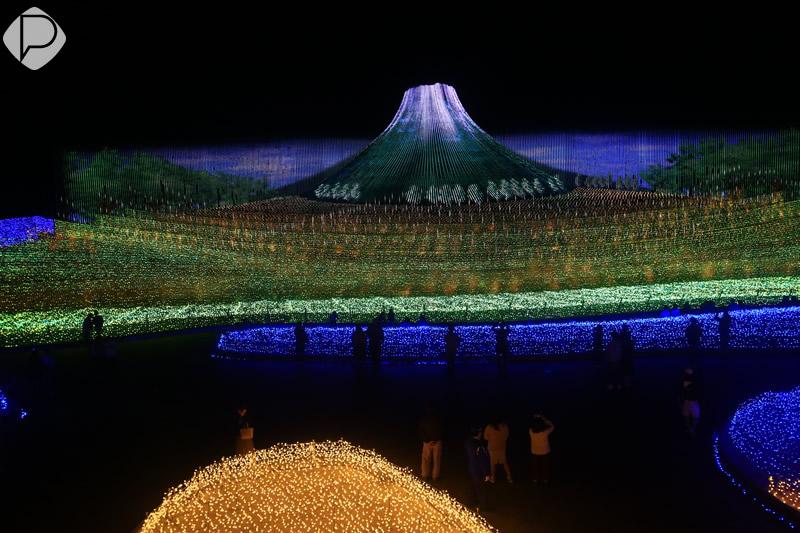 &nbspTemporada de iluminação no Parque Nabana no Sato