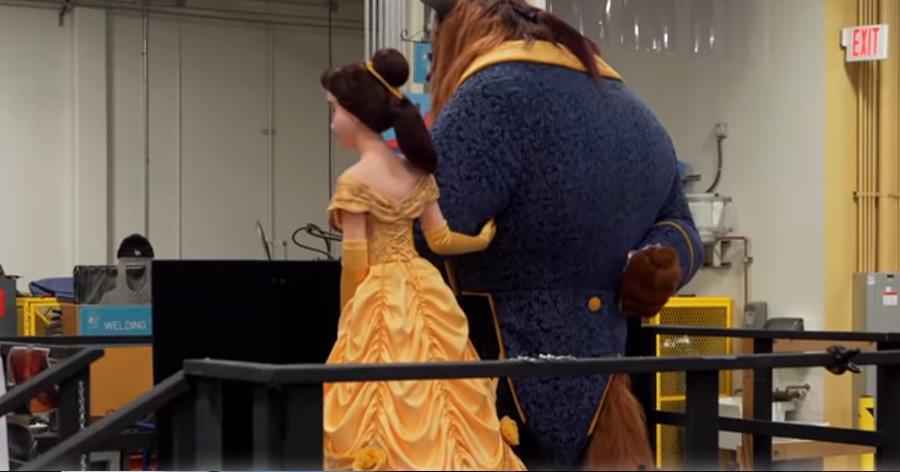 &nbspTokyo Disneyland dá um gostinho da nova área 'A Bela e a Fera'