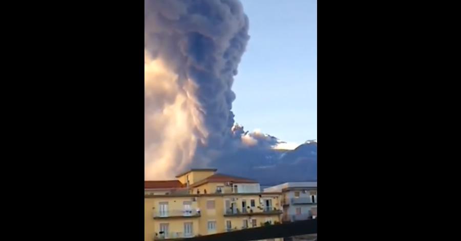 &nbspTerremoto após erupção do vulcão Etna deixa feridos e causa pânico na Itália