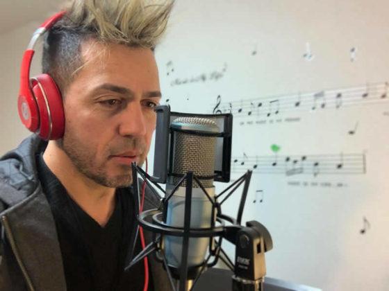 &nbspConheça o cantor Cesar Valentim