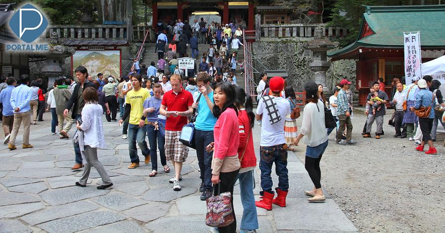 &nbspVisitantes estrangeiros trazem dinheiro e dores de cabeça no auge do turismo no Japão